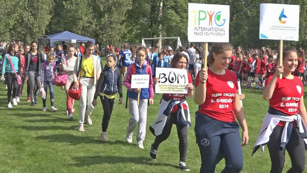 A STEP TOWARDS PEACE Youth of Bečej, Serbia Peace Walk Festival for DPCW Yugoslav Wars What is HWPL Serbia Peacewalk Peace Walk Festival IPYG peace letter campaign IPYG hwpl peace walk HWPL DPCW Croatian War of Independence Bosnian War Bečejsko Udruženje Mladih Bečej Aleksandar Đekić